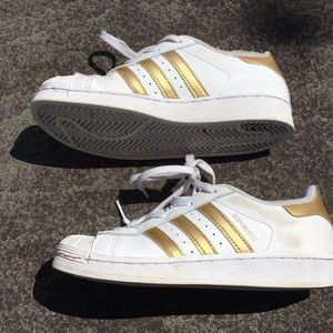 adidas Shoes - Adidas gold superstar sneakers. Size 2.5